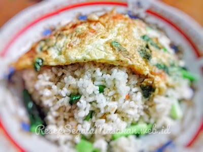 Resep Nasi Goreng telur dadar bumbu Saus Tiram