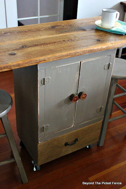 kitchen island, rolling cart, bar, barstool, chalk paint barnwood, salvaged, repurposed, https://goo.gl/GTqvzh