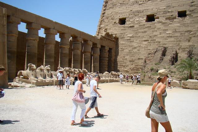 żwiątynia Amon-re , sfinks