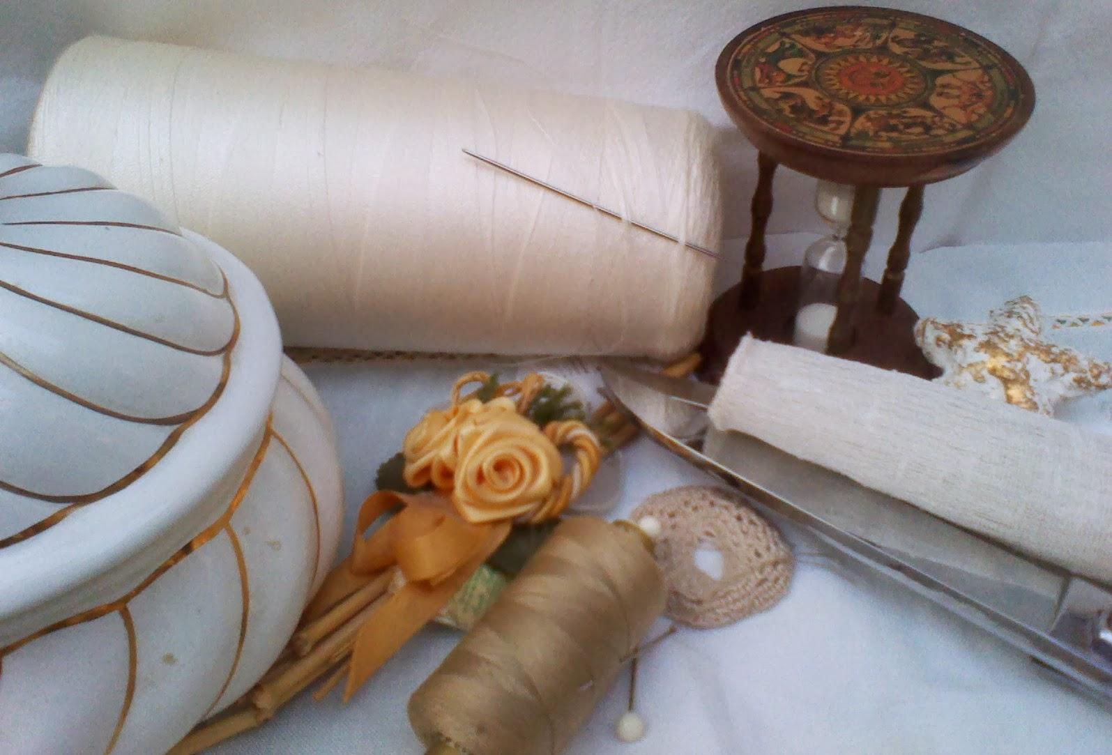 Divano Pallet Vendita : Gommapiuma per cuscini e tappezzeria divano con bancali di legno