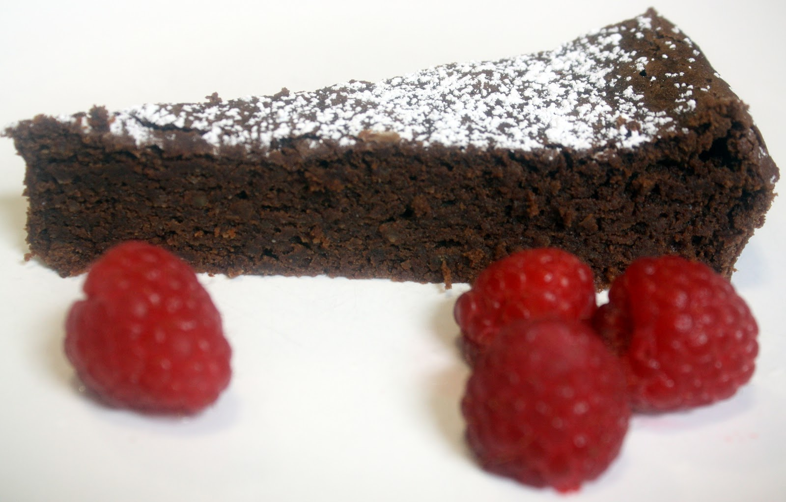 Make Meals Mama Garbanzo Bean Chocolate Cake