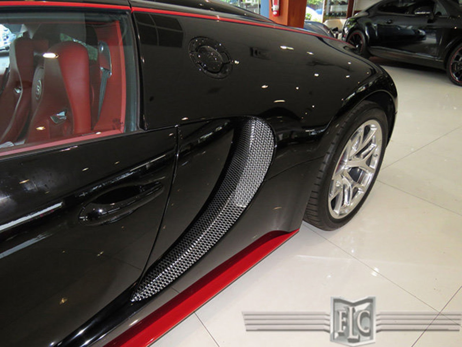 florida dealer has two bugatti veyrons for sale. Black Bedroom Furniture Sets. Home Design Ideas