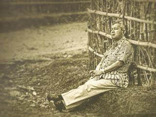 soeharto bersandar ketika kunjungan ke plosok desa