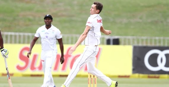 Calvin Savage (Credit: Anesh Debiky) - Hollywoodbets Dolphins - Sunfoil Series - Cricket - Bowling