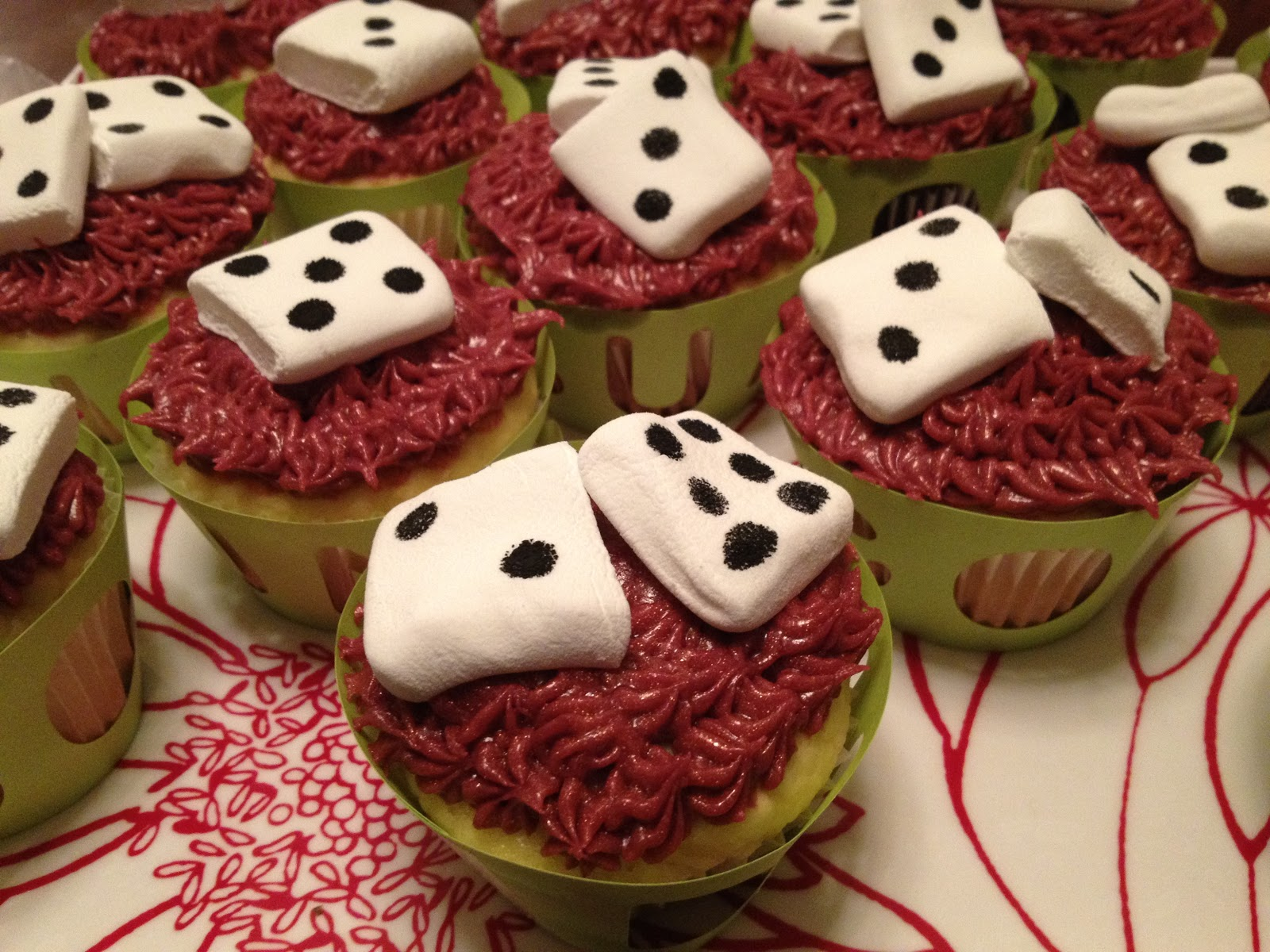 Red Owl Bunco Cupcakes