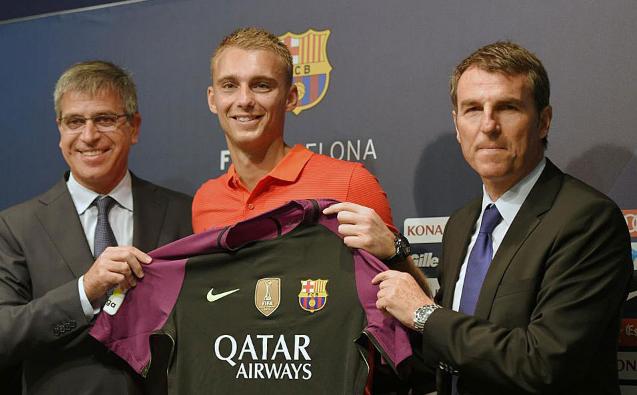 Barcelona Memperkenalkan Kibar Barunya