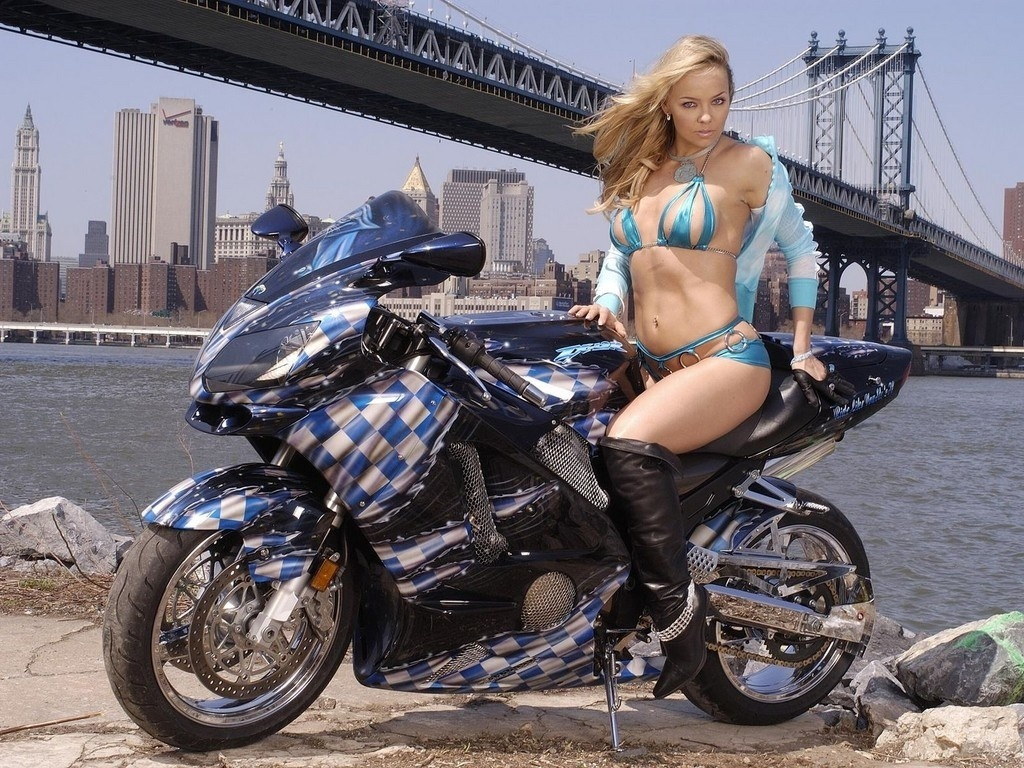 Sexy Babes And Bikes