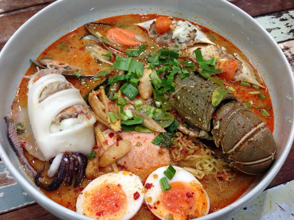 Thai noodle, tom yum goong, noodle soup, tom yum