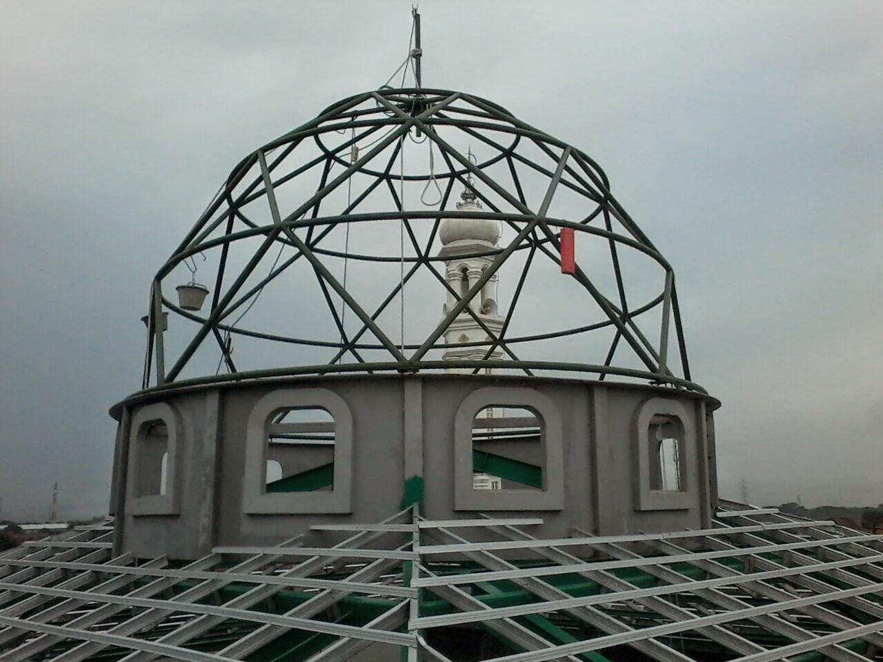 gambar rangka atap baja ringan limasan karya kubah masjid al-barokah di pejaten serang provinsi ...