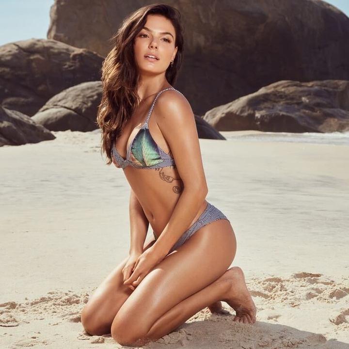 As brasileiras que precisam posar nua na revista Playboy
