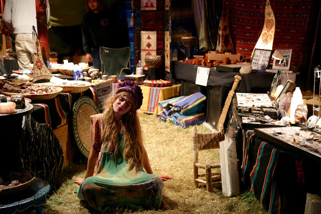 hippy zoning out, womad