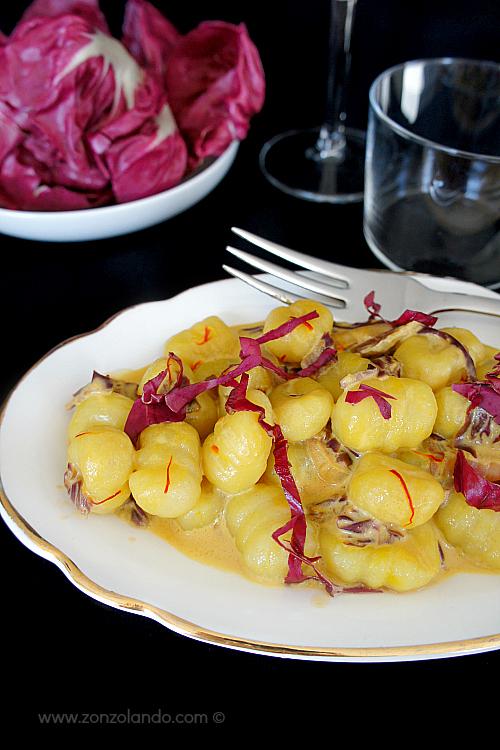 Gnocchi con radicchio e zafferano ricetta vegetariana - chicory and saffron gnocchi homemade recipe