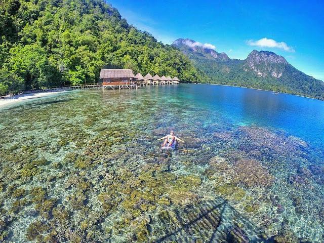 foto pantai indah indonesia pantai ora