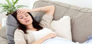 النزلة المعوية...الاعراض وكيفية العلاج امرأة فتاة بنت مريضة woman girl sick patient