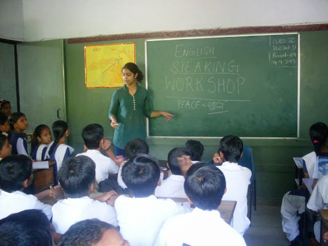 Naina Dargan teaching English