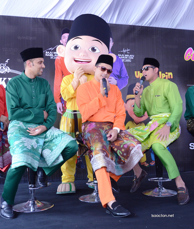 Datuk Mohamed Faroz Mohamed Jakel, with Aaron Aziz and Nabil Ahmad at the launch