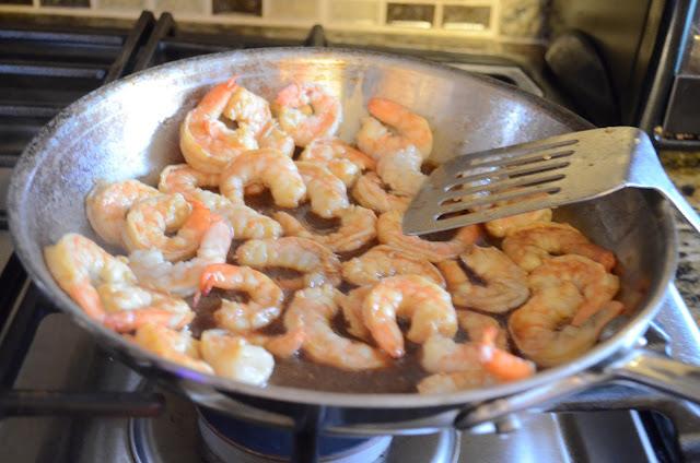 Fresh-Shrimp-Spring-Rolls-Shrimp-Seasame-Garlic-Ginger-Dipping-Sauce.jpg