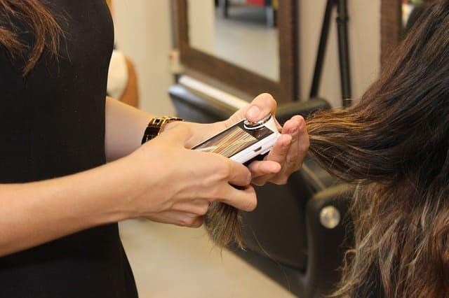 Membuka salon pangkas rambut