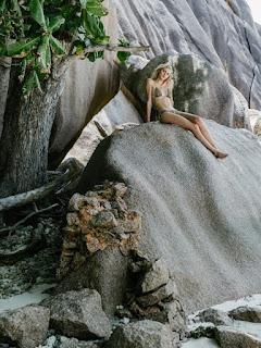 Sexy Model Tessa Greiner hot bikini Photoshoot