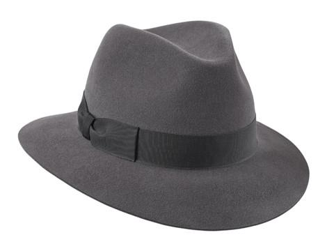 The Fedora model or Três Bicos 7473b3a422e