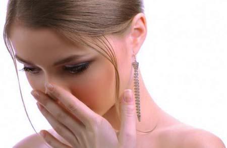 Punya Masalah Bau Mulut, Inilah 13 Cara Menghilangkan Bau Mulut Secara Alami Dan Praktis