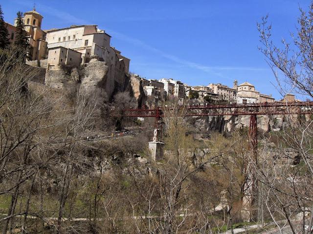 El puente San Pablo en Cuenca