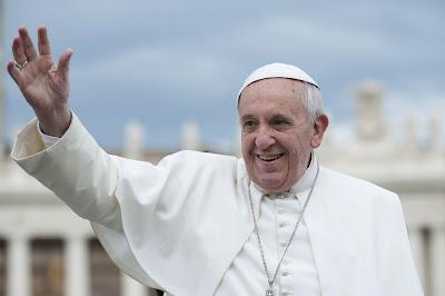 Pope-Francis-Criticizes-Donald-Trump