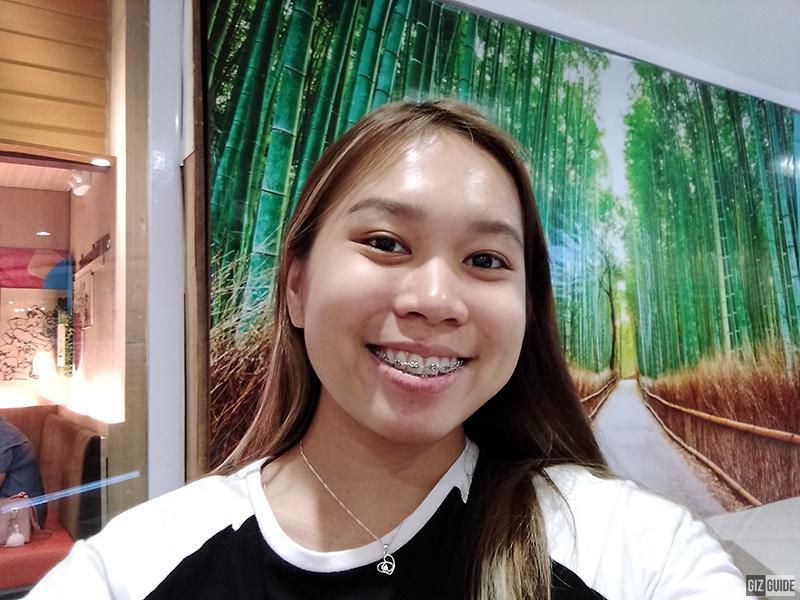 Realme C1 indoor selfie 2