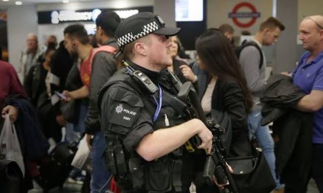 Συνελήφθη 18χρονος ύποπτος για την τρομοκρατική επίθεση στο Λονδίνο Προσπαθούσε να διαφύγει από τη Μεγάλη Βρετανία