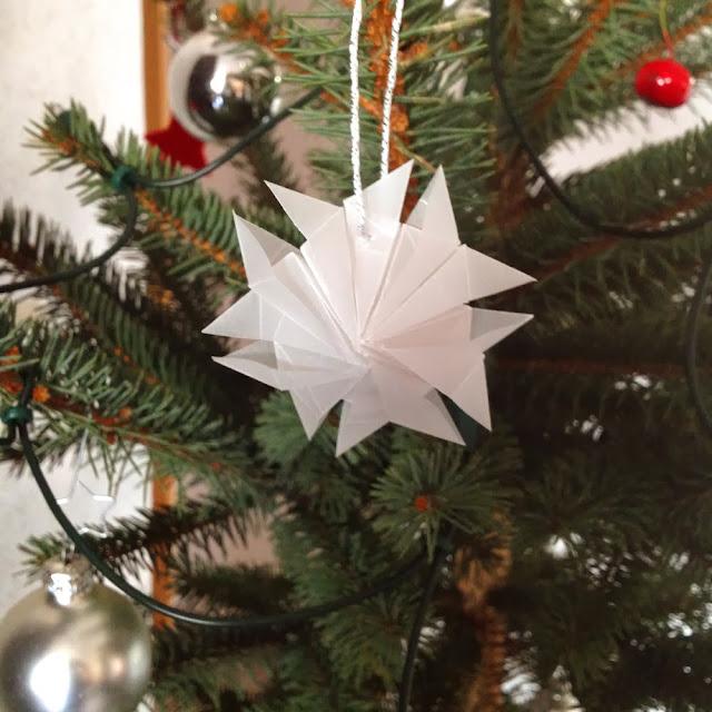 Christbaumschmuck Und Winterliche Sterne Bird Base