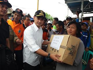 Gubernur Jambi Serahkan Bantuan Korban Kebakaran