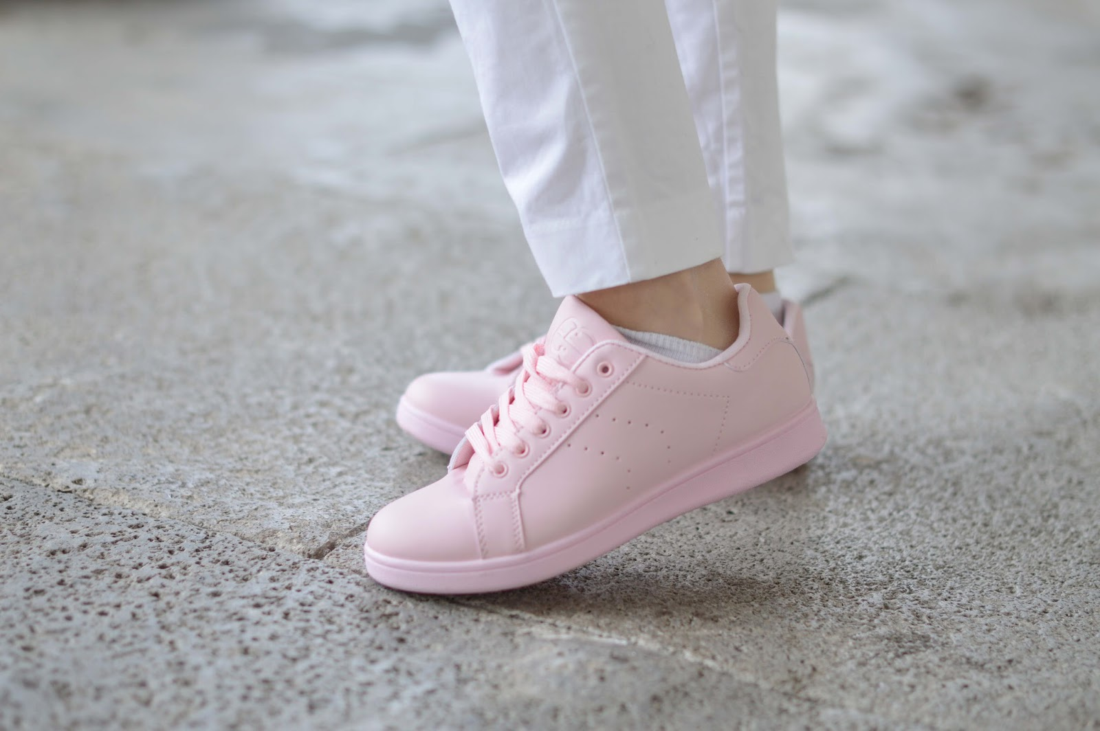 Rosa Sneaker - Rosa Turnschuhe - Blogge in rosa Schuhen - Rosa Flats - Rose Shoes - Fashionblogger aus Frankfurt - Frankfurt Fashionblogger