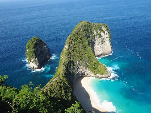 Kelingking Cliff Nusapenida Bali