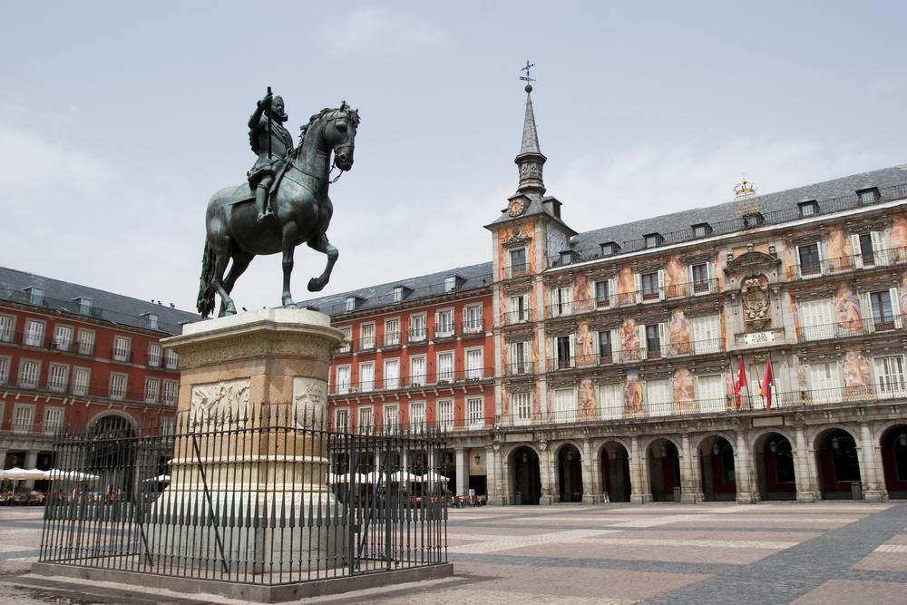أشهر الساحات والشوارع في مدريد