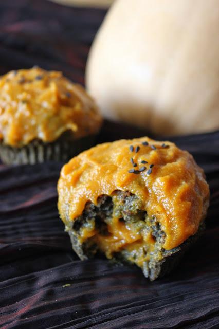 https://cuillereetsaladier.blogspot.com/2014/10/cupcakes-au-sesame-noir-glacage-la.html