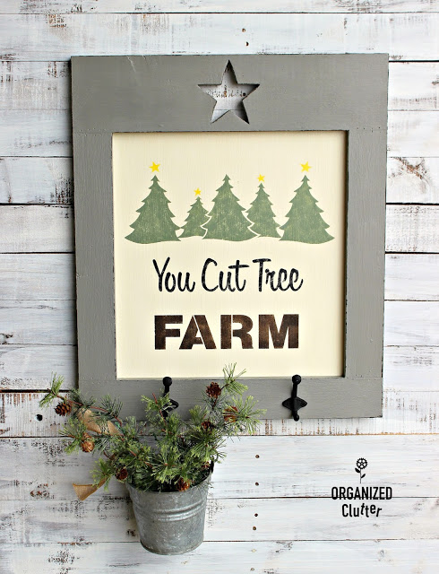 You Cut Tree Farm Sign With Star Cutout Frame #Oldsignstencils #stencil #outdoordecor #rusticChristmas