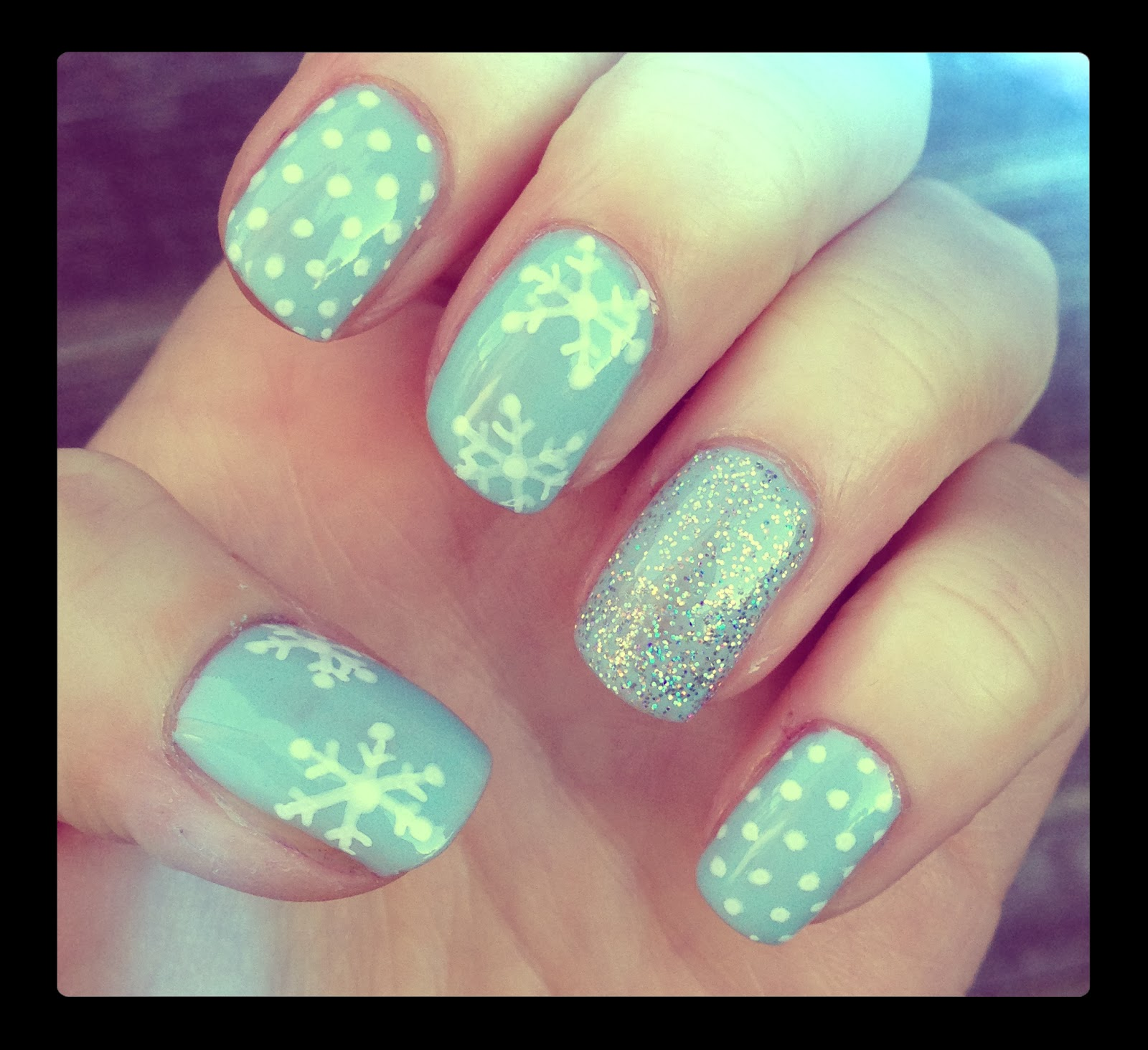 Dahlia Nails: Snowflakes That Stay On My Nose And Eyelashes