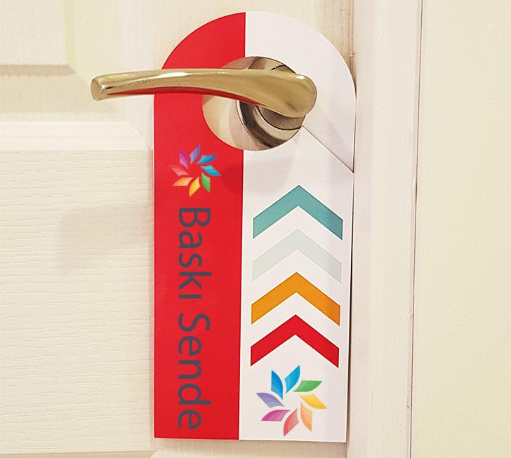 Kapı Askısı Broşürlerinin Özellikleri Nelerdir?