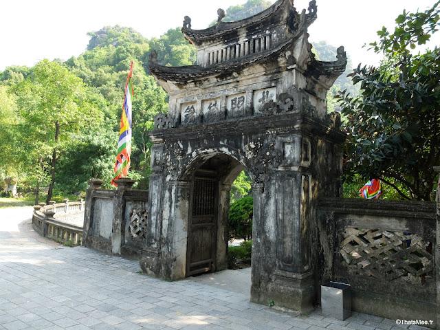 temple hoa lu independance vietnam ninh binh