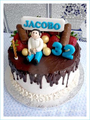 tarta personalizada, chocolate y fresas