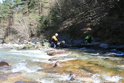 Enlèvement embâcles en rivière