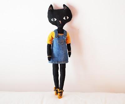 https://www.etsy.com/fr/listing/248292556/jeanne-la-petite-poupee-chat-fabriquee-a?ref=shop_home_active_2
