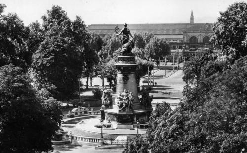 ancienne statue république carnot perrache cours de verdun - visite guidée de Lyon - Nicolas Bruno Jacquet