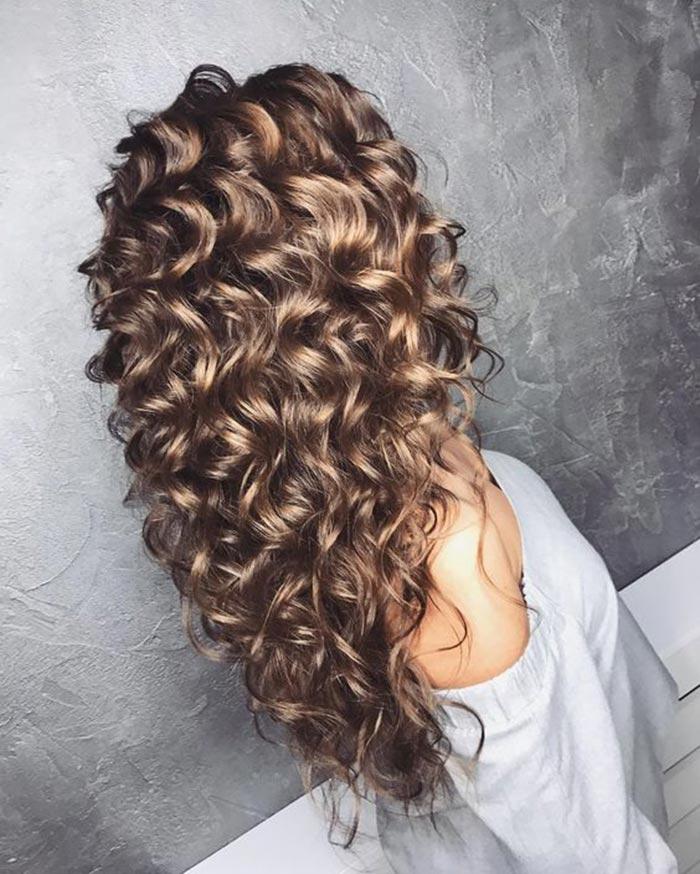 Como deixar os cabelos cacheados sempre lindos