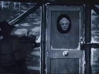 Scrooge 1901 puerta