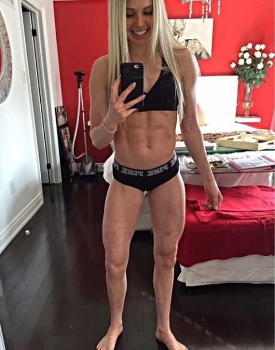 Fitness Model Kyla Ford selfie