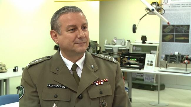 Pułkownik Krzysztof Kopczyński, dyrektor Instytutu Optoelektroniki Wojskowej Akademii Technicznej - fot. newseria.pl