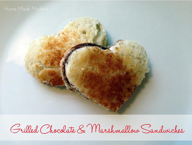 grilled chocolate marshmallow sandwiches