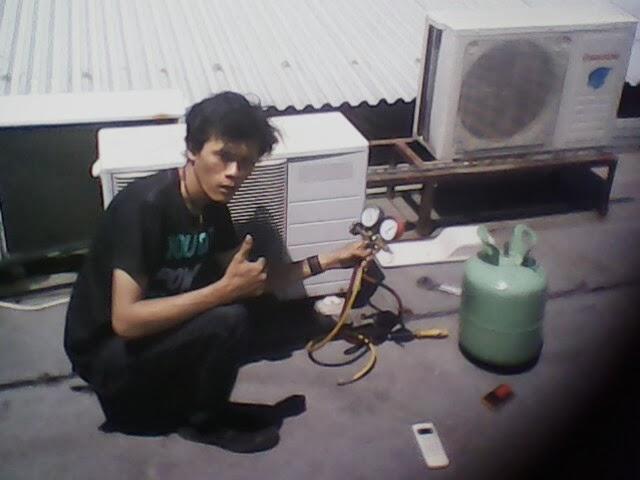 http://serviceacmitramuda.blogspot.com/2013/12/service-ac-panggilan-area-surabaya.html