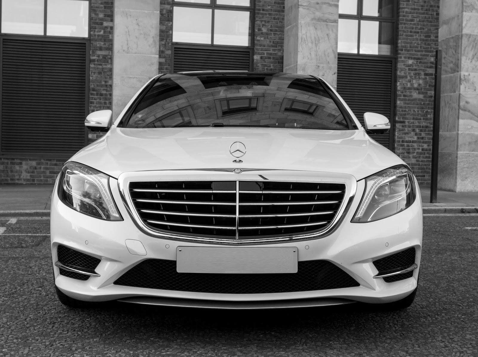 Experience the Best Wedding Transfer by Luxury Car Hire Blackburn ...